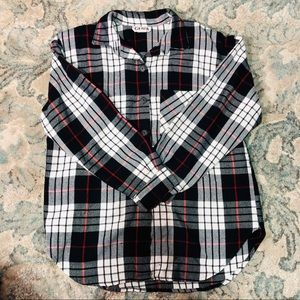 Gemma plaid button down in great condition